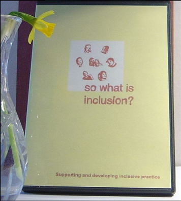 "Präsentation der CD-Rom ""So what is inclusion?"" am Crucible Centre for Human Rights & Social Justice, Roehampton University, London, England (2007). Photo: John Kelly / flickr Creative Commons Licence Namensnennung, nicht kommerziell, keine Bearbeitung"