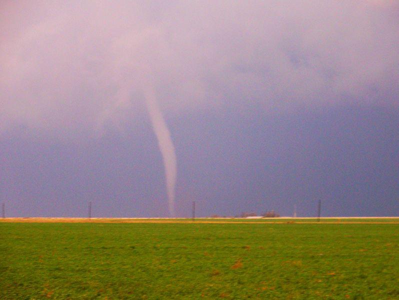 Datei:Tornado.jpg